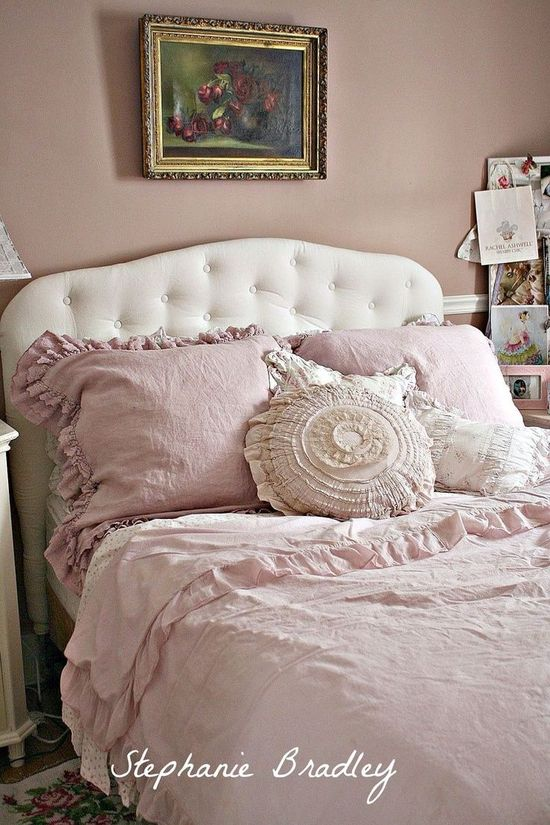 Beautiful Shabby Chic bedroom.  Love the - ideasforho.me/... -  #home decor #design #home decor ideas #living room #bedroom #kitchen #bathroom #interior ideas