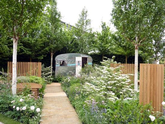 Caravan paradise, beautiful modern garden design