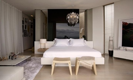 modern and sexy / very comfortable bedroom interior design and decor ideas - white and black