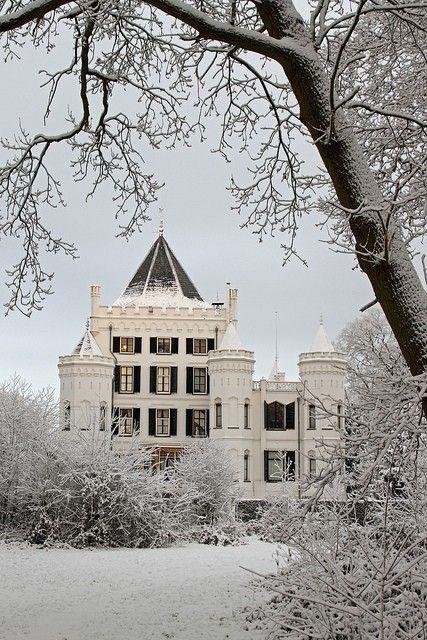 'castle' house...?
