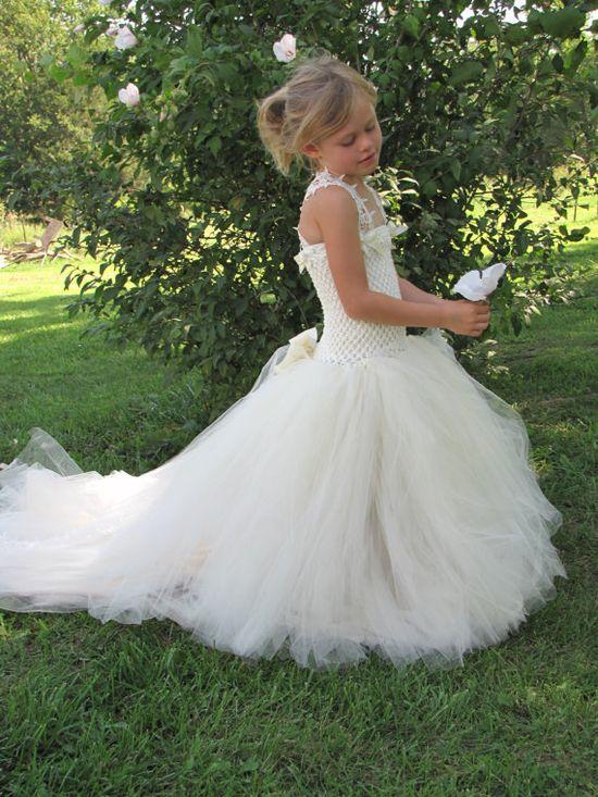 Girls Tulle Flower Girl dress, Flower Girl Dress, Tulle lace flower girl dress, dress with train