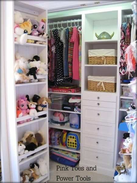 love the stuffed animal organization and the drawers for hair stuff and jewelry