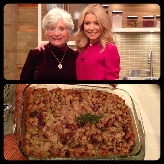 Kelly's mother-in-law, Camilla Consuelos, shared her recipe for sausage apple stuffing! Check it out here: dadt.com/...  #KellyandMichael