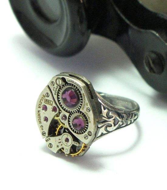 Purple vintage Bulova 17 jewels ring by Mystic Pieces #steampunk #jewelry #mysticpieces