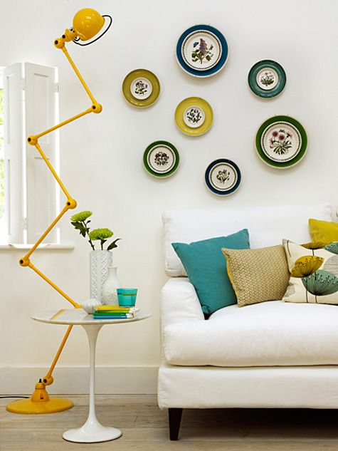 Plate wall, great lamp
