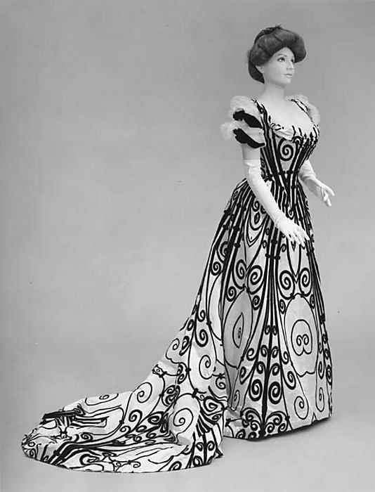 House of Worth, evening dress, 1898-1900