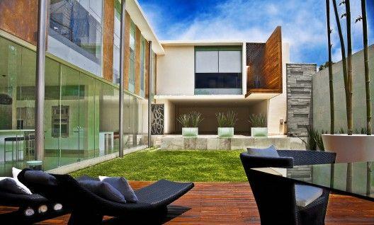 Ita House / Taller5 Arquitectos ©Roberto Ortiz