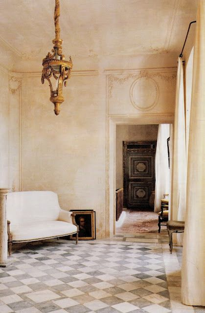 Chateau de Gignac, interior design, patinas, furnitures....from Elise Valdorcia