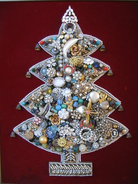 Jewelry Tree by treasureup, via Flickr