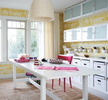 Bright & Organized Craft Room >> This would be amazing!