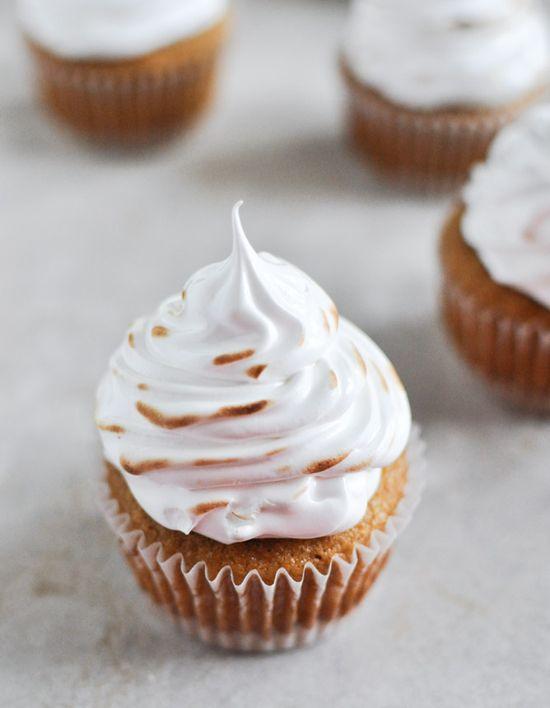 pumpkin s'mores cupcakes