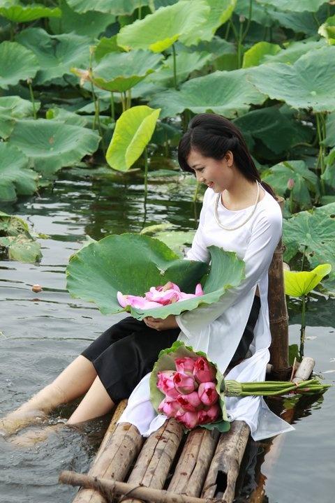 Ao dai Vietnam - Vietnam beautiful Girls - Ao dai The is a Vietnamese national costume.