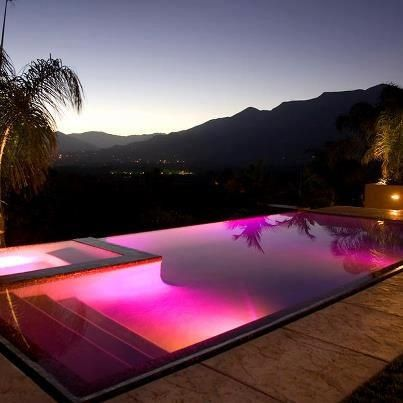 I'm gonna faint! This is so cool can I have it please! Vote for the pink infinity pool! #CasaDeCarson