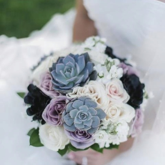 Gorgeous succulent bouquet!