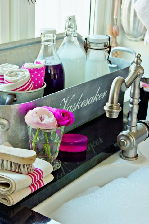 kitchen sink styling...