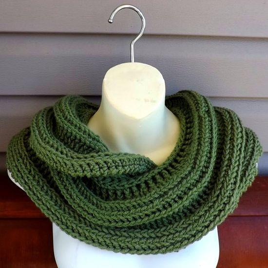 Crochet Pattern - Crochet Scarf Pattern Women - Crochet Cowl Scarf Crocheted Pattern - SNAKE Infinity Cowl Scarf - Crochet Scarf Patterns