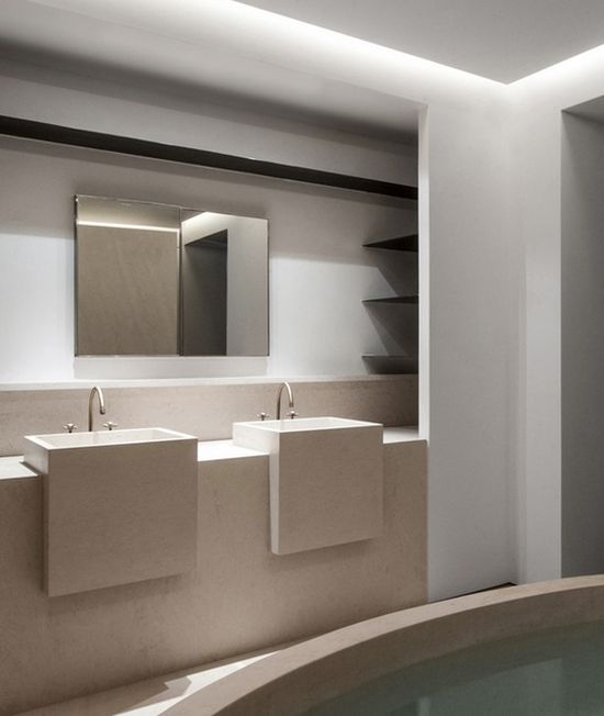 Bathroom interior by KOIS associated architects.