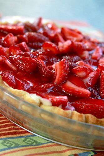 Classic Strawberry Cream Pie