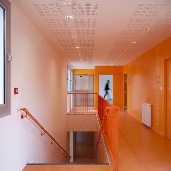 'oranje boven', Children Care Center, Gavroche, Soa architectes,
