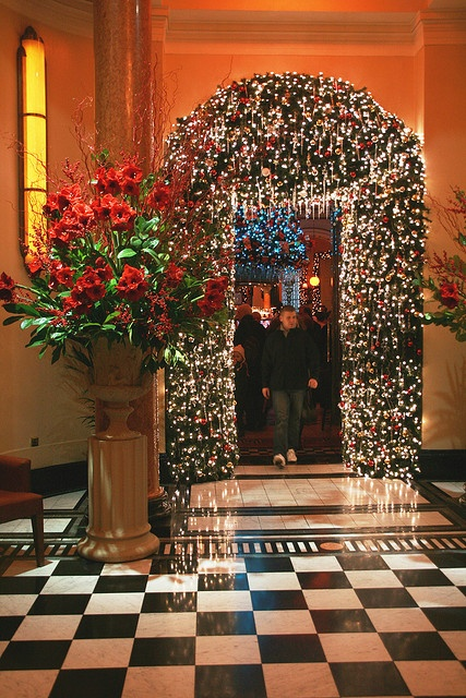This would be gorgeous for a christmas wedding