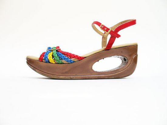 Vintage 1970s Rainbow Platform Strappy Sandals Yo-Yo's