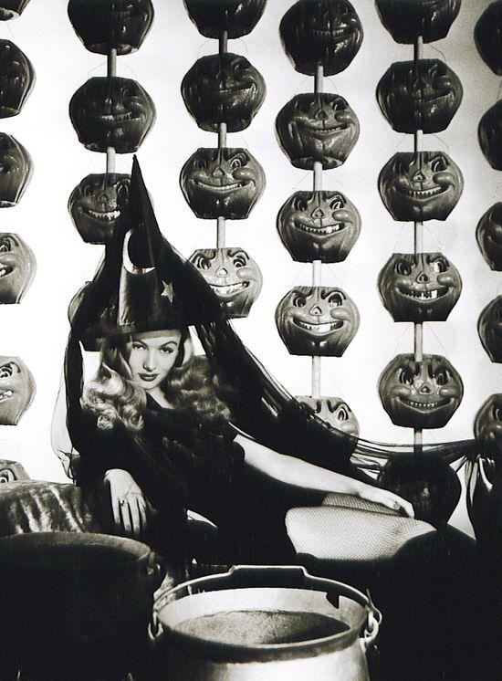 Veronica Lake Vintage Halloween