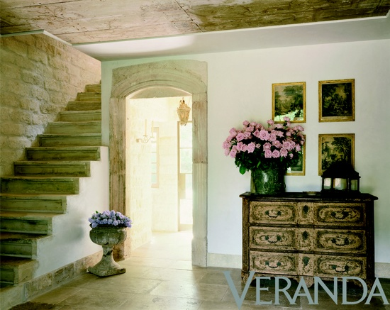 Interior design by Pamela Pierce. Photography by Peter Vitale.