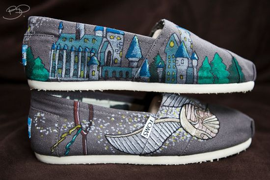 Harry Potter Custom Toms Shoes... Yes, please!