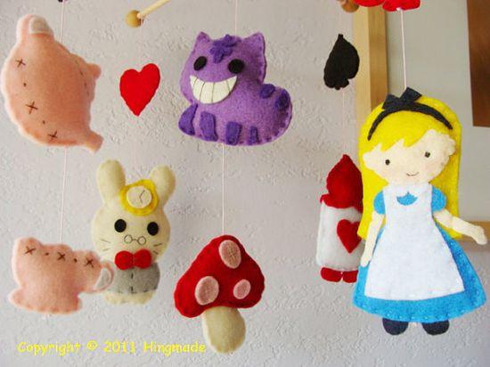 Felt Alice in Wonderland mobile = LOVE