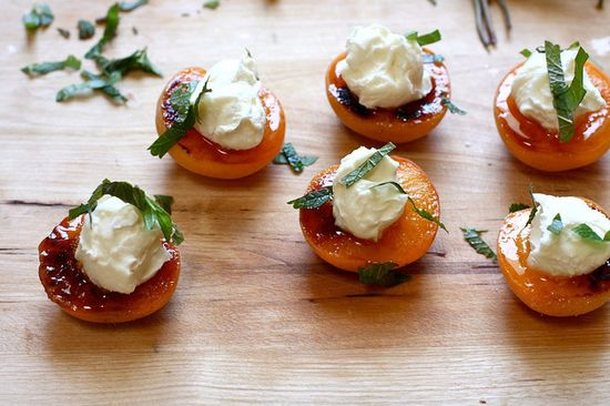 roasted apricots with mascarpone, via Flickr