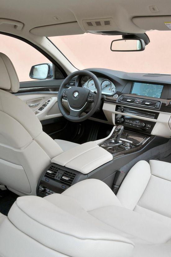 ? 2013 BMW 5 ActiveHybrid interior