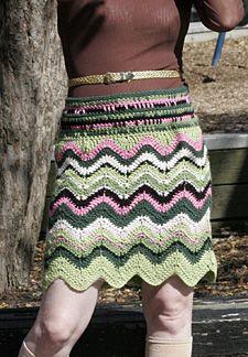 Chevron Skirt  www.crochetconcup...