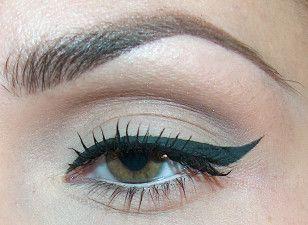 Pin up makeup