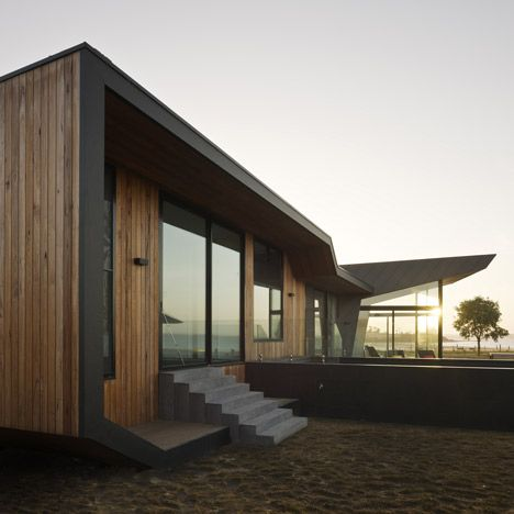 Beached House by BKK Architects  30 August 2011