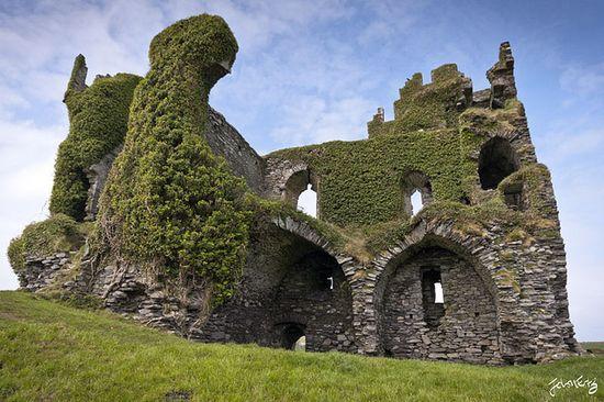 Ballycarbery Castle (Iveragh Peninsula, County Kerry, Ireland)