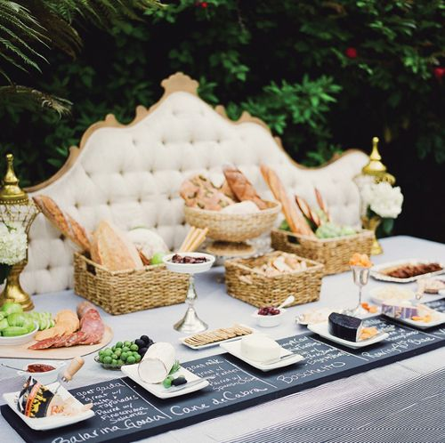 Love this pretty party setting for a wine and cheese party!