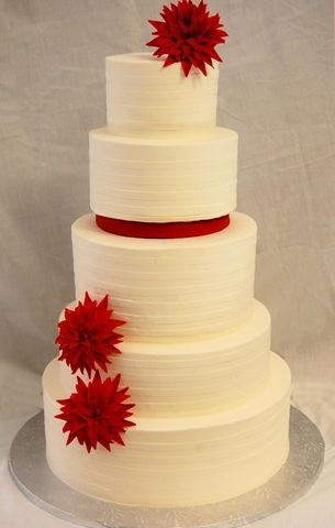 pretty buttercream cake