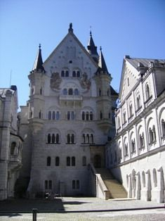 Palace Courtyard #Neuschwanstein #Castle #Germany
