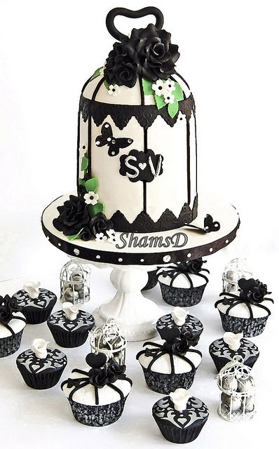 Birdcage Wedding Cake #dental #poker