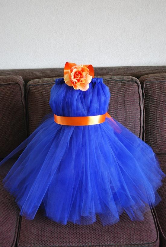 The little flower girl dresses - love these!