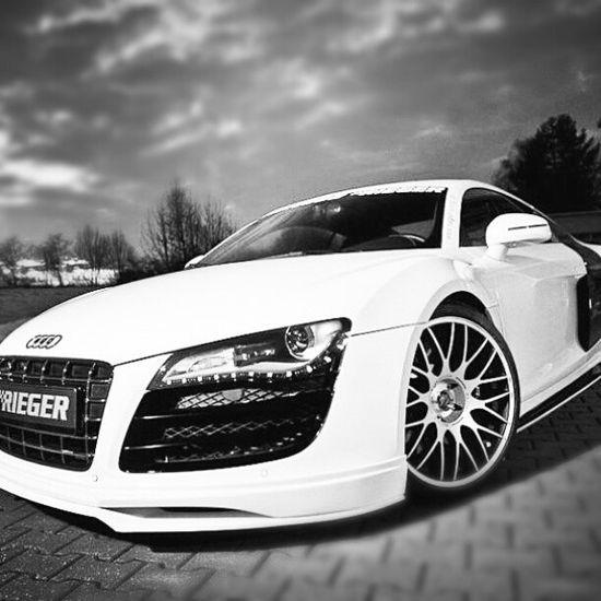 Hot! Audi R8