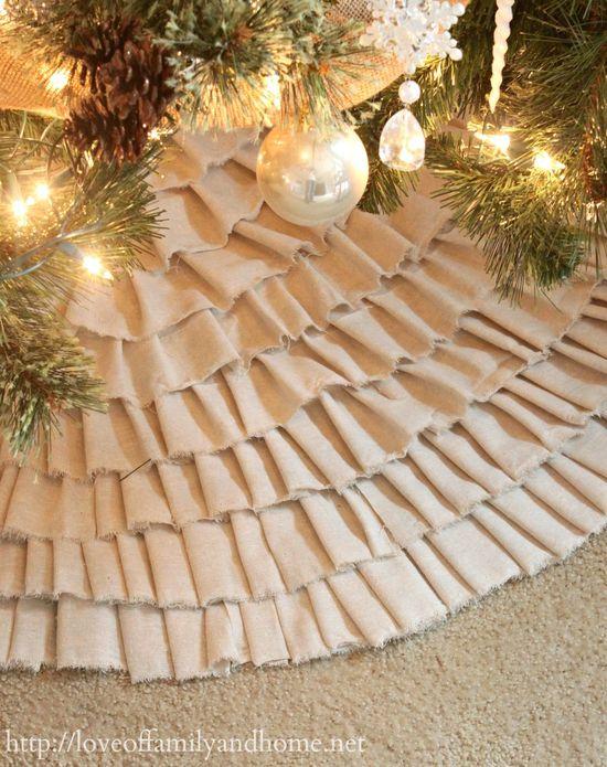 No-Sew Ruffle Tree Skirt Tutorial {Video}