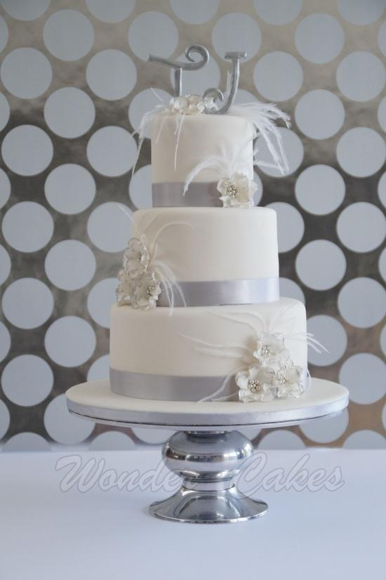 White wedding cake @Mandi Smith T Rankin