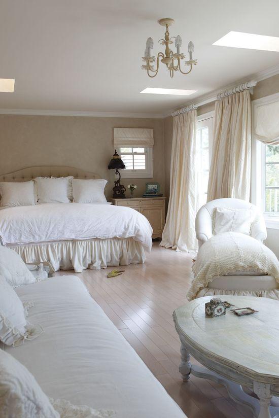 Cottage ? Romantic Bedroom