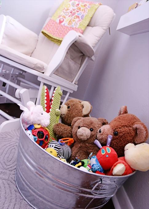 great idea for stuffed animal storage