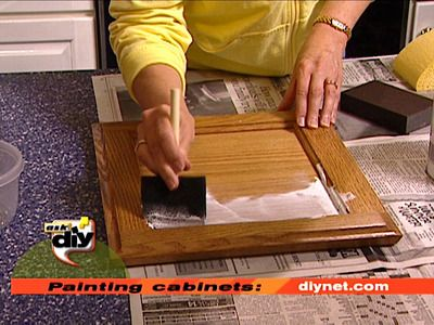 how to paint kitchen cabinets - DIY
