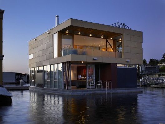 SEATTLE: Lake Union Floating Home 10/5/2011 via ArchDaily