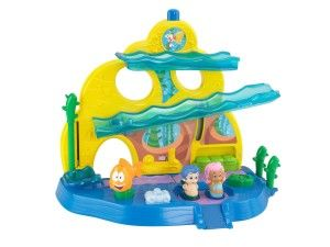 Enter to WIN a Bubble Guppies Swimsational School Playset! Ends 12/6 - #giveaway #contest #sweepstakes #kids #toys #christmas