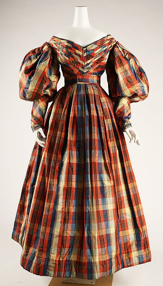 Dress 1830, British, Made of silk.