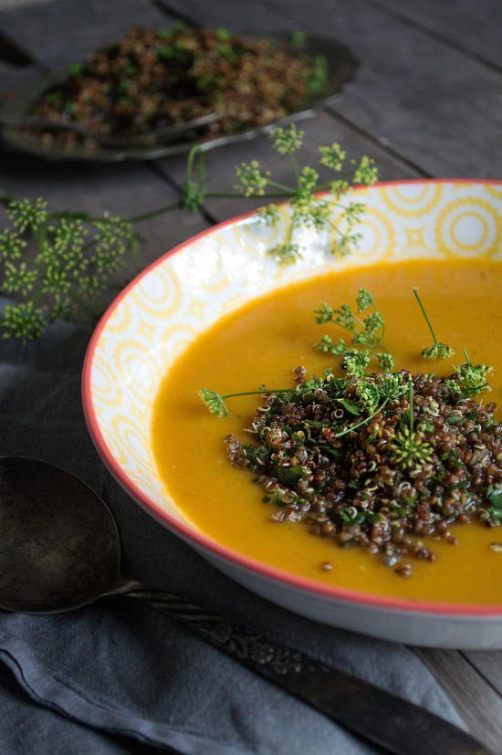 Butternut-Kürbis und Quinoa-Suppe (Er braucht Nahrung)